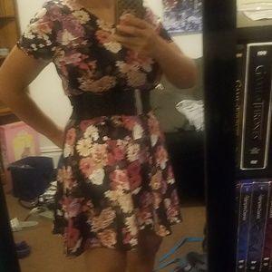 Forever 21 NWT Black and rose dress size medium